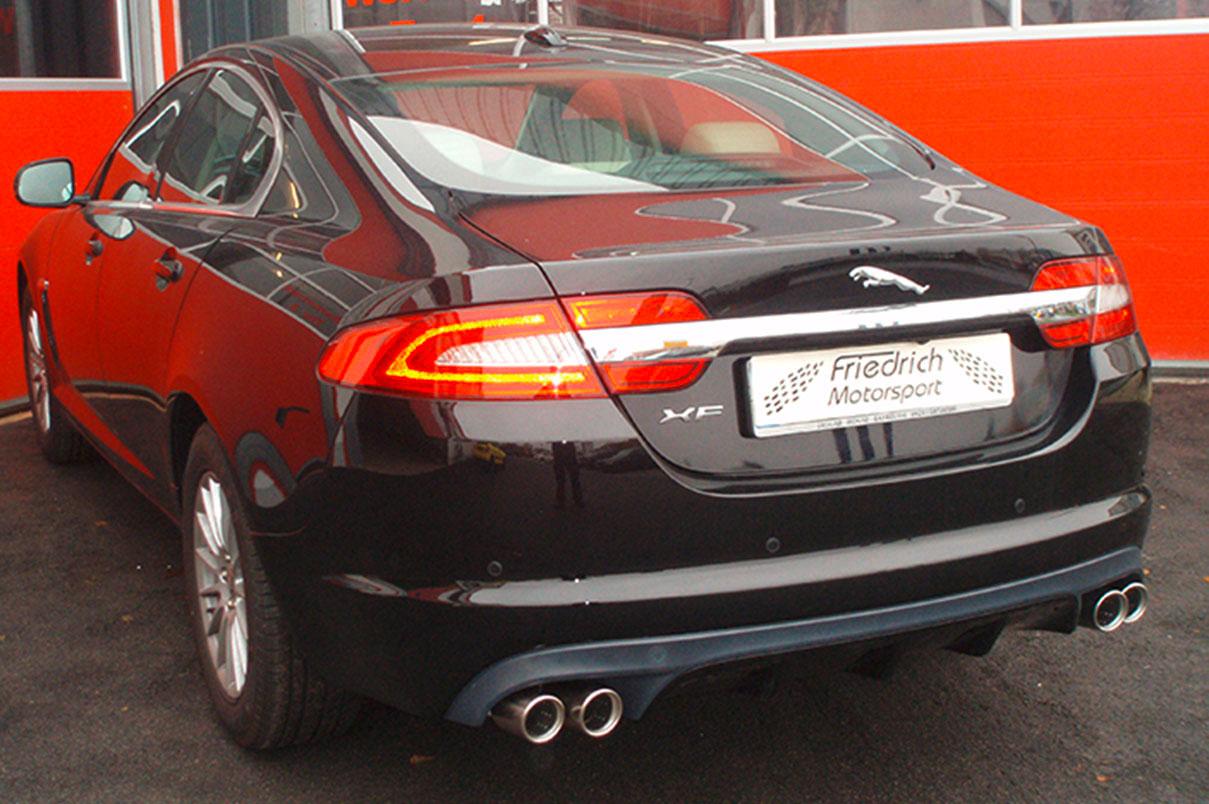 Jaguar XF mit XF R Heckansatz